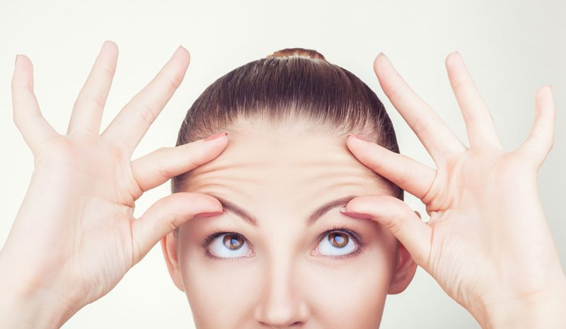arrugas-frente-entrecejo-botox-infiltraciones-toxina-botulinica-consejos-dermatologia-dermatologo-dr-lopez-gil-clinica-barcelona-acido-hialuronico