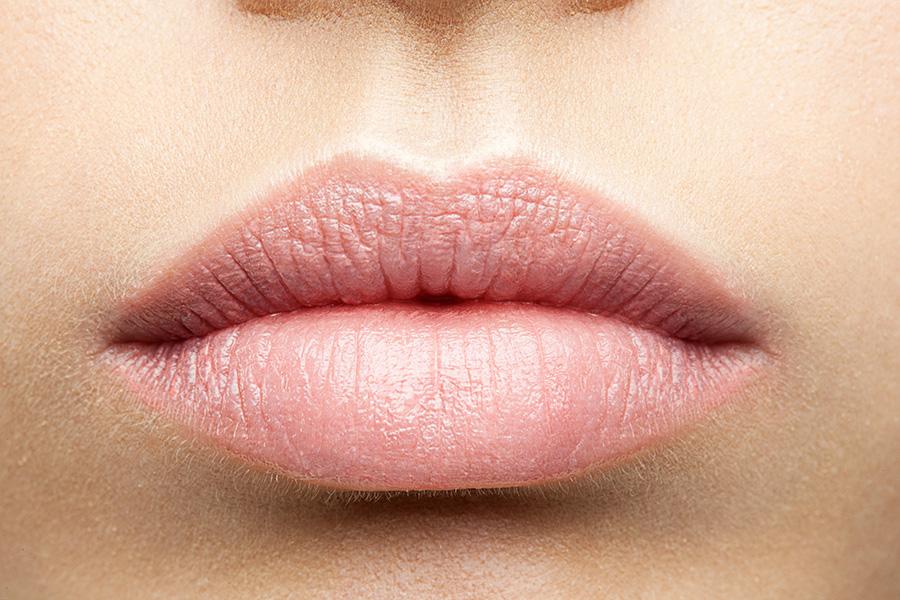 abios-arrugas-marcas-piel-mujer-clinica-estetica-dermatologica-dermatologo-dr-lopez-gil-teknon-barcelona
