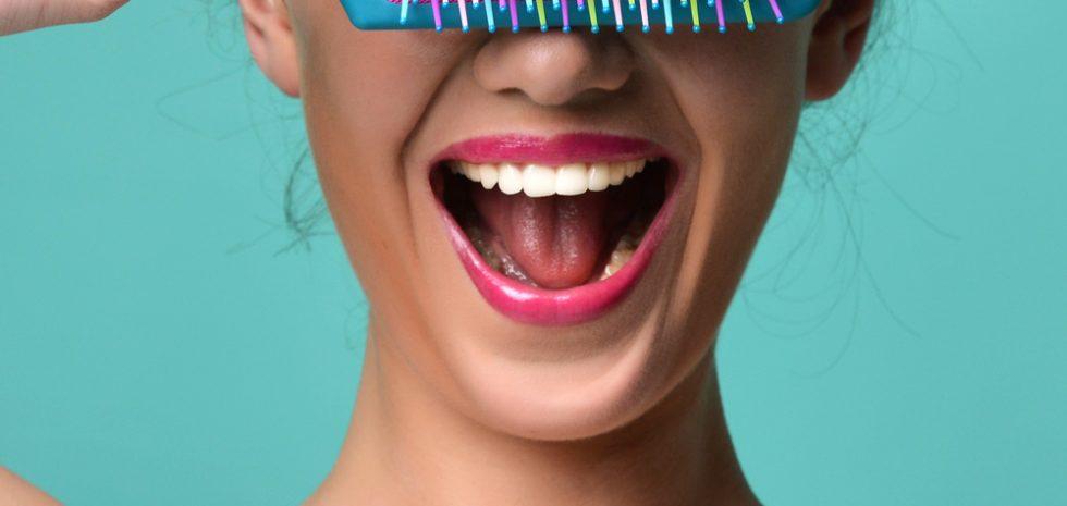 caida-del-pelo-cabello-alopecia-femenina-mujeres-hereditario-hormonal-dermatologo-dr-lopez-gil-clinica-dermatologica-teknon-barcelona