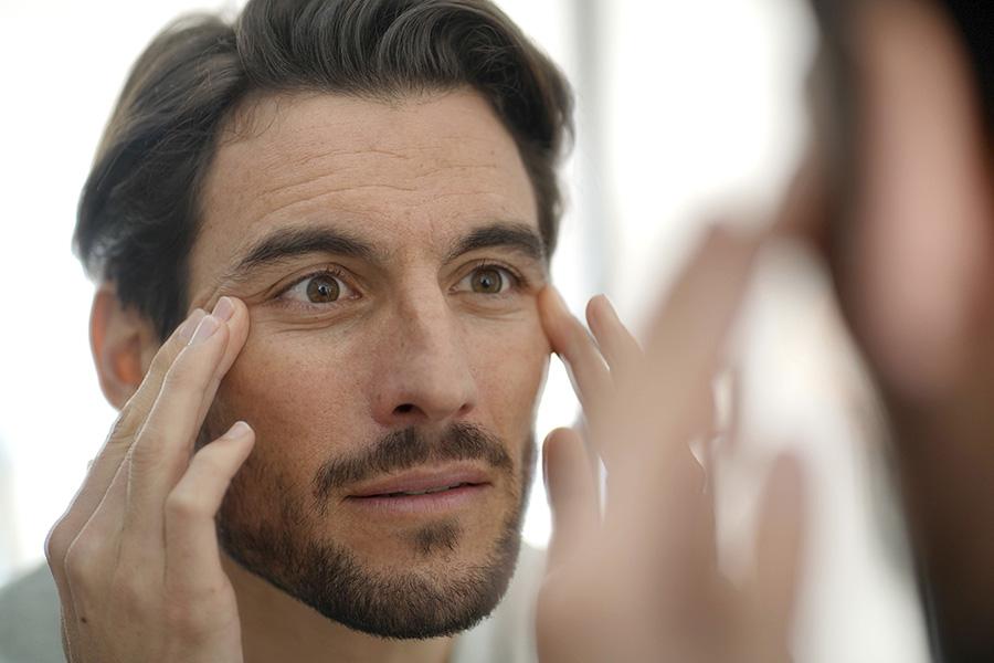 mejor-tratamiento-barcelona-eliminar-borrar-arrugas-patas-gallo-ojos-clinica-estetica-botox-acid-hialuronic-dermatologo-dr-lopez-gil-dermatologia-teknon