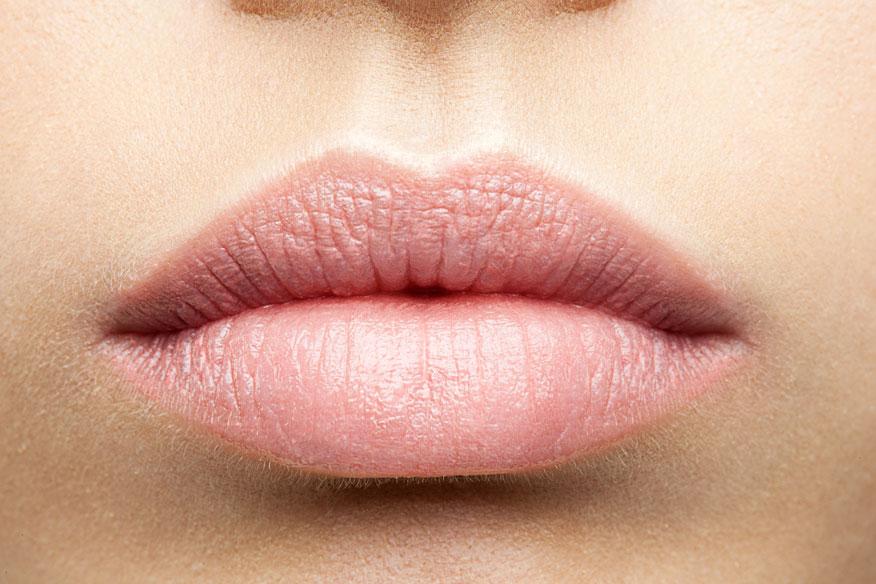 relleno-aumento-labios-acido-hialuronico-infiltraciones-precio-clinica-estetica-dermatologia-dermatologo-dr-lopez-gil-teknon-barcelona